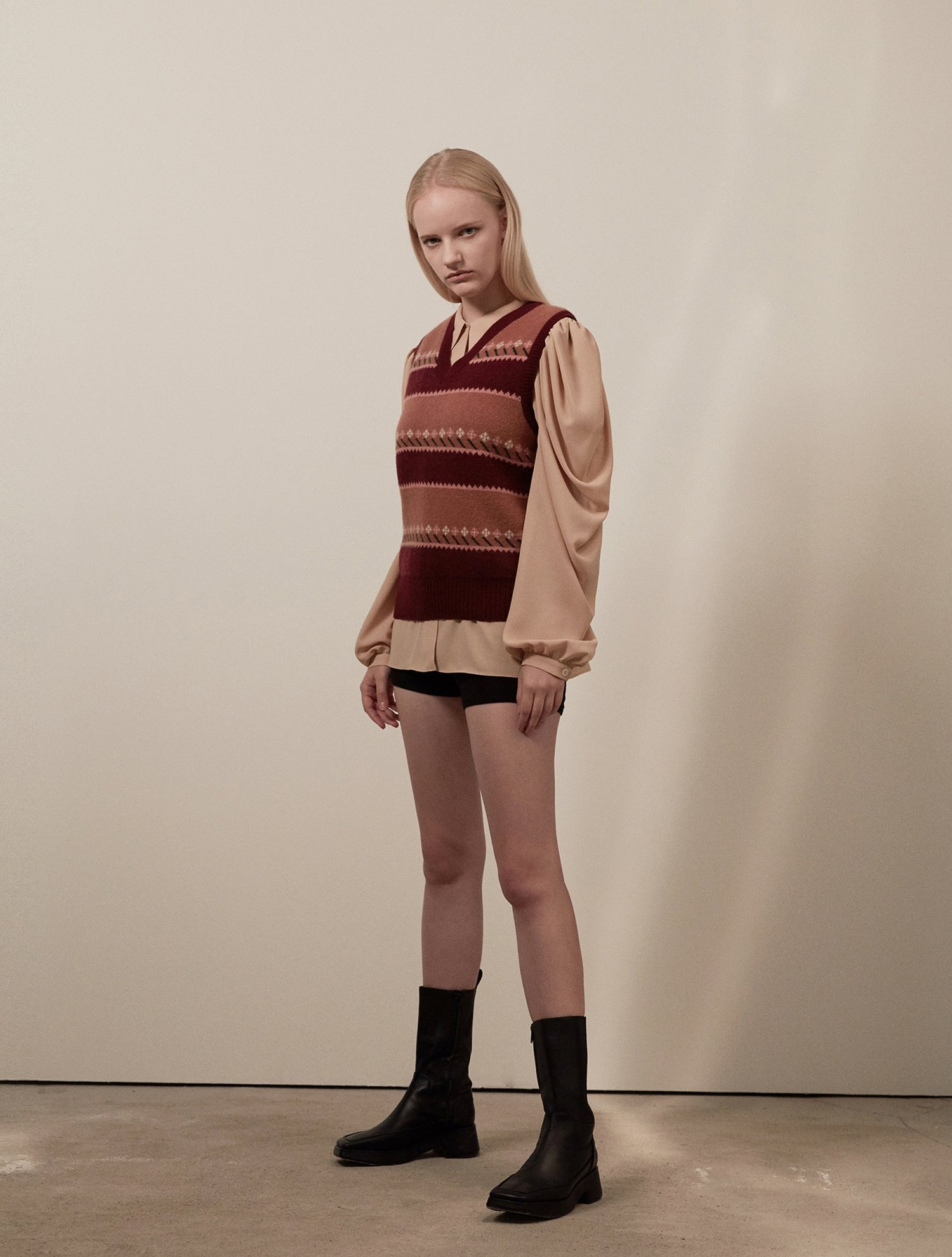 [윤아 착용]Flower jacquard knit vest 002 Burgundy