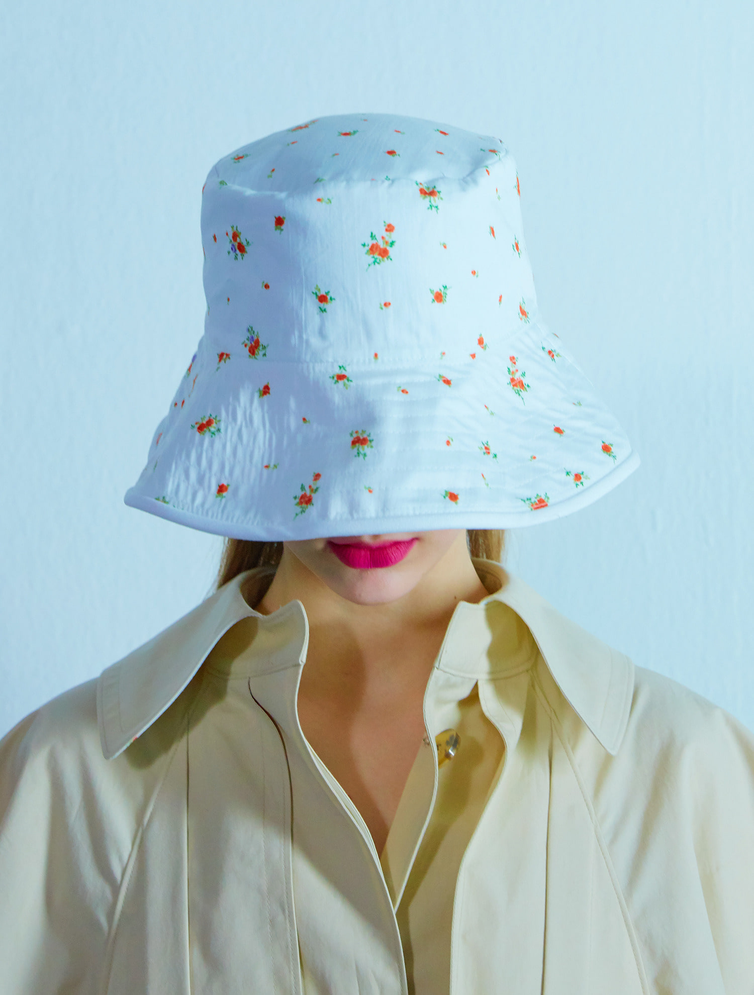 [공효진,비 착용] Reversible Flower bucket hat 004 White