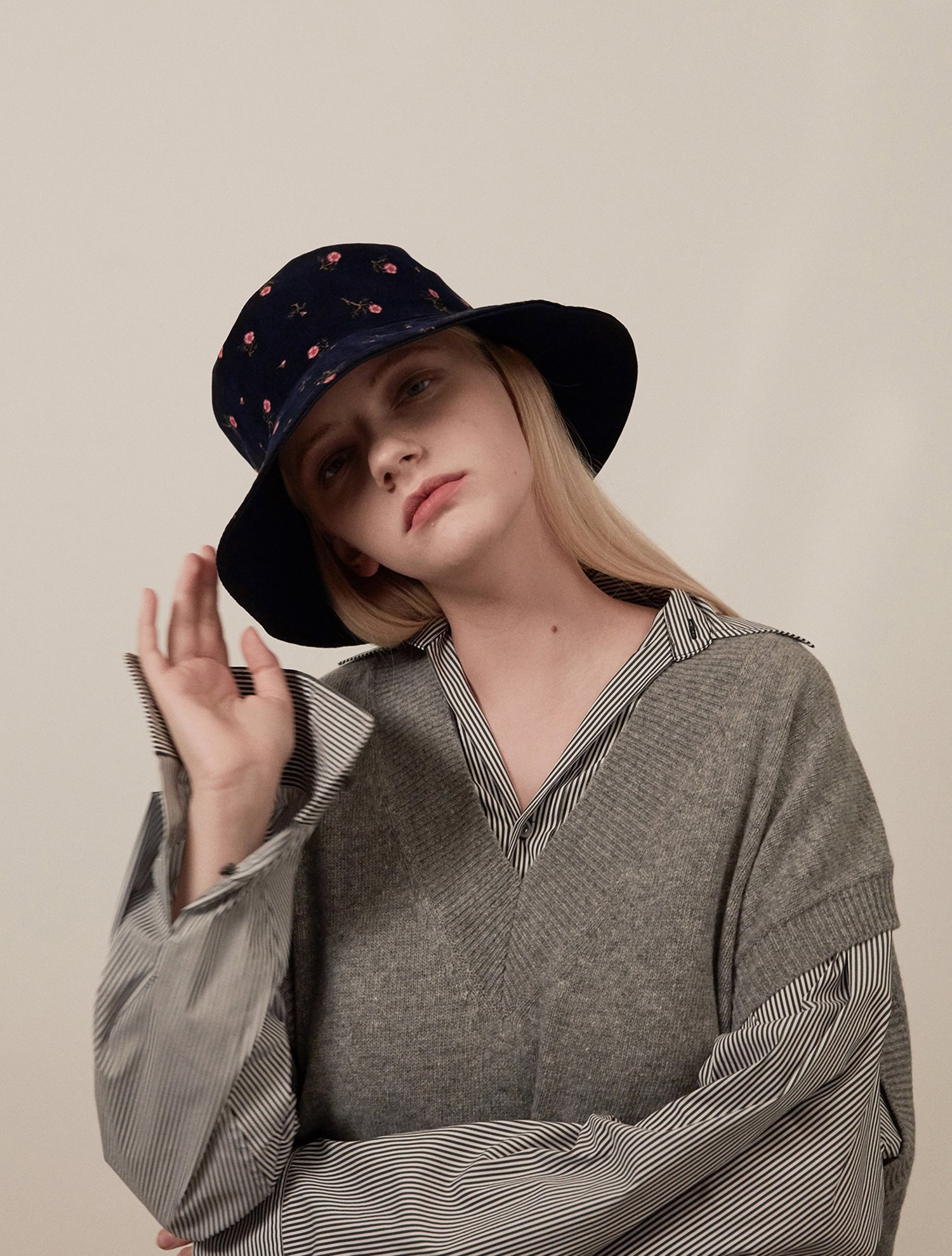 Reversible flower bucket hat 005 Navy